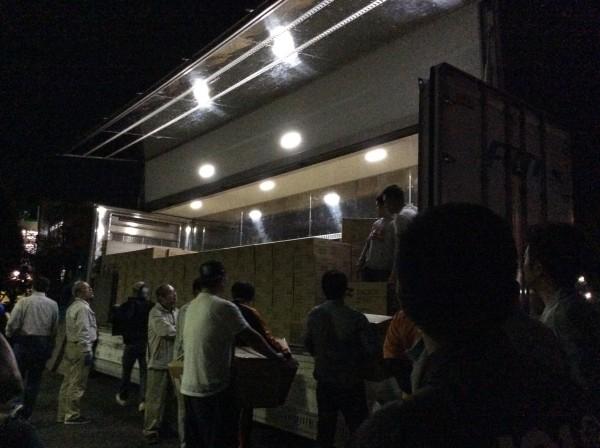 私の所属する青年会議所メンバーも熊本県宇土市への水物資搬入お手伝いをさせて頂きました。